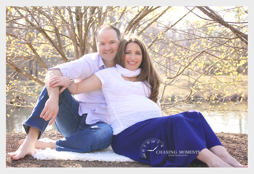 couple maternity photoshoot at meadowlark